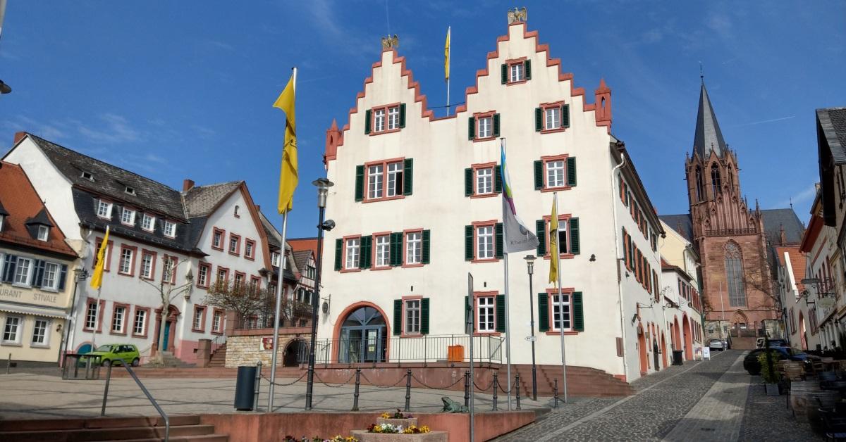 Historisches-Rathaus_Marktplatz_5